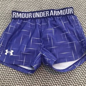 Under Armour girls shorts. Size 4